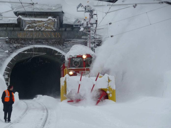 Sníh komplikuje dopravu na železnici v Rakousku i na jihu Německa. V Bavorsku zůstává uzavřeno několik tratí